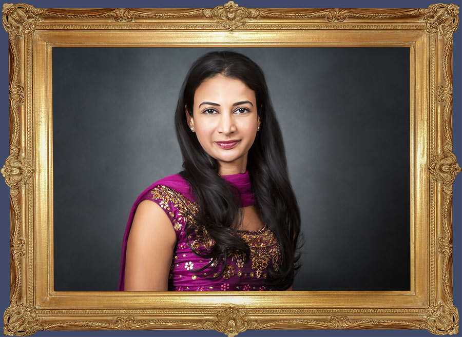 Portrait photographers. Portrait of an Indian girl in traditional dress. Photographer: Hugh Anderson Photography