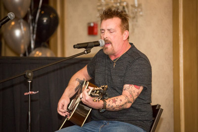 Mark Richardson sings for charity