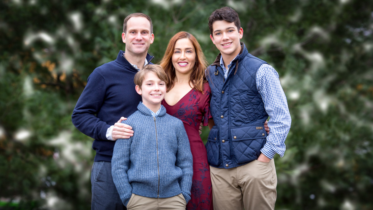 Family photo for holiday cards. Hugh Anderson Photography, Michigan.