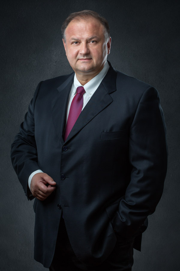 Business headshot. Businessman in his suit. Hugh Anderson Photography