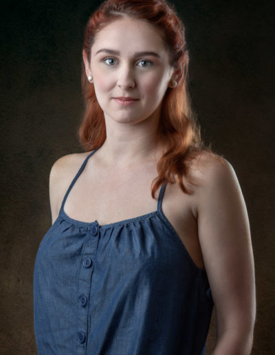 portrait-of-shawna-in-studio